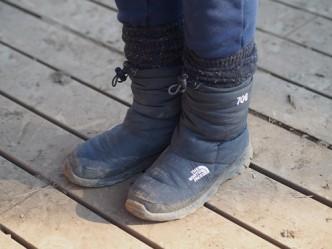 レッグウォーマーにブーツ。