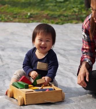 赤ちゃんと遊ぼう